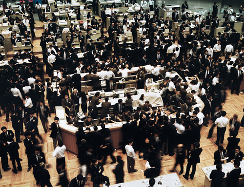 "Andreas Gursky. ""Tokyo Stock Exchange"" 1990"