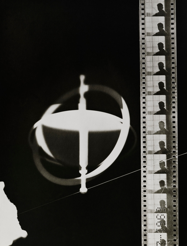 Man Ray(1890-1976) 'Rayograph' 1921