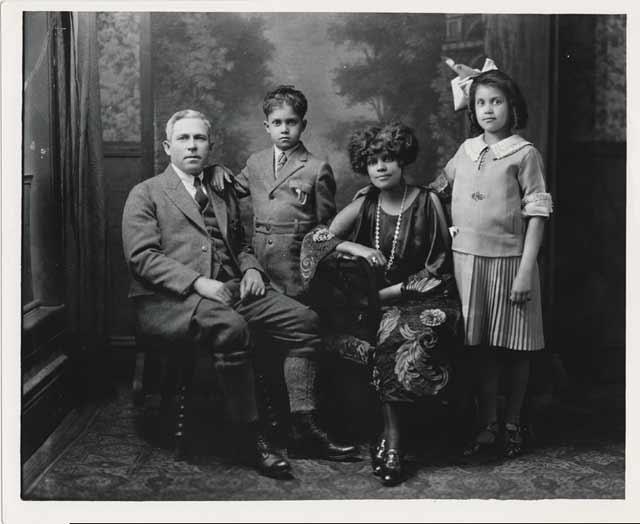 Addison Scurlock. 'Family portrait' c. 1925