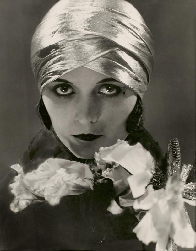 Edward Steichen(1879-1973) 'Pola Negri' 1925