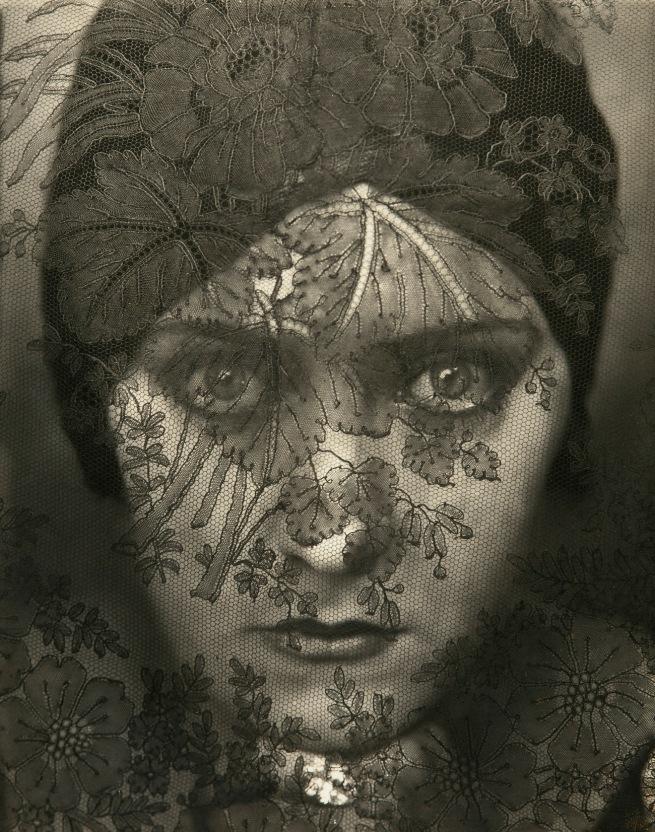 Edward Steichen. 'Gloria Swanson' 1924