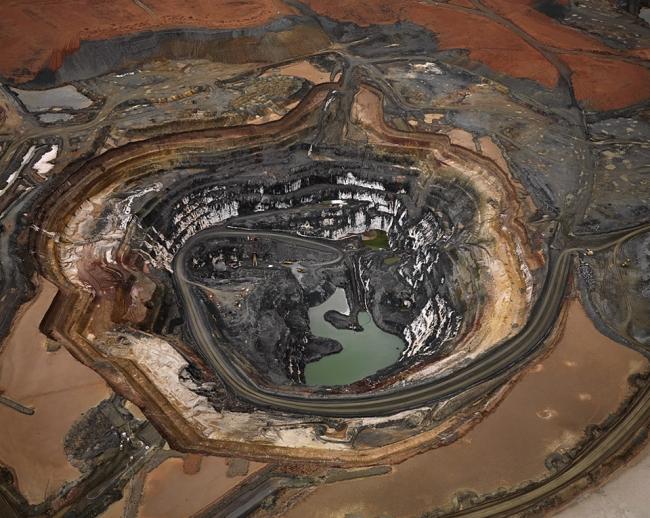 Edward Burtynsky. 'Silver Lake Operations #1, Lake Lefroy, Western Australia 2007'