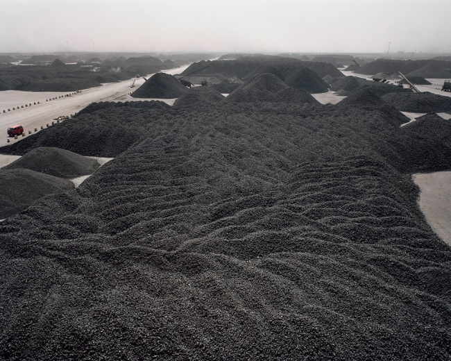 Edward Burtynsky. 'Tanggu Port, Tianjin, China 2005'