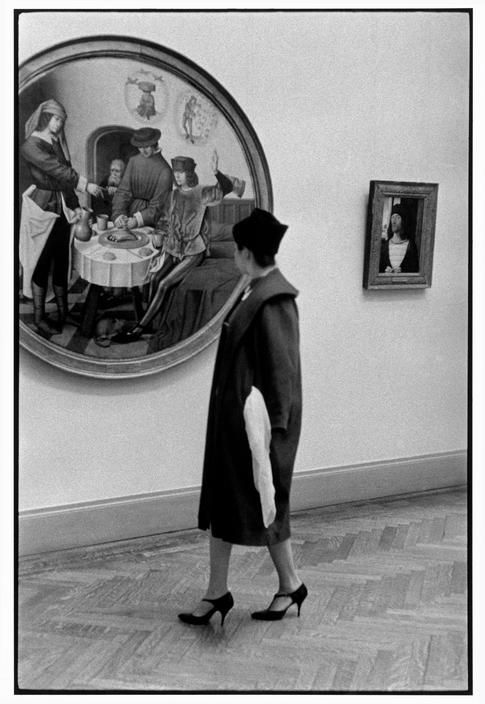 Inge Morath. 'Visitor in the Metropolitan Museum' 1958