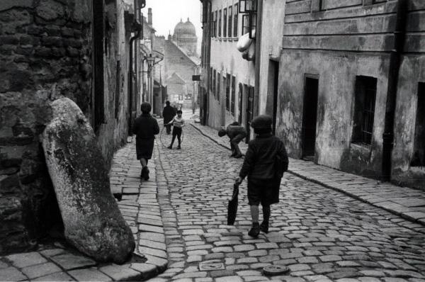 Roman Vishniac. 'Children at Play, Bratislava' ca. 1935-38