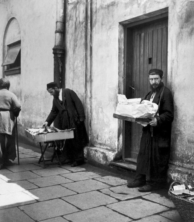 Roman Vishniac (1897-1990) 'Jewish street vendors, Warsaw, Poland' 1938
