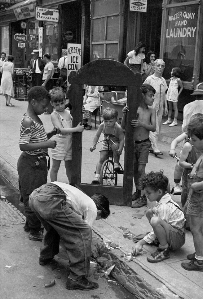 Helen Levitt(American, 1913-2009) 'New York' c. 1940