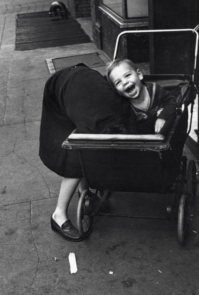 Helen Levitt. 'New York, NY' 1945