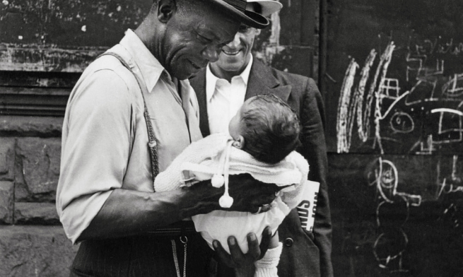 Helen Levitt(American, 1913-2009) 'New York' c. 1942
