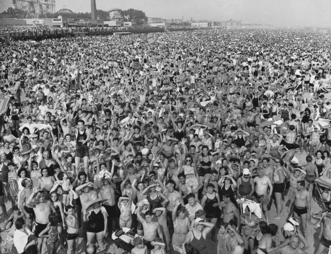 Arthur Fellig (Weegee) 'Coney Island' 1940