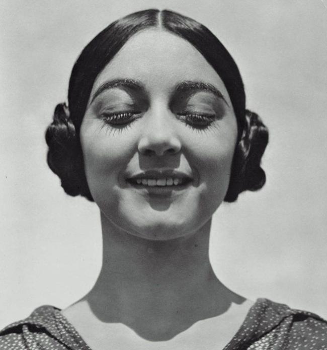 Edward Weston. 'Rose Roland (de Covarrubias)' 1926