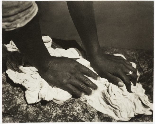 Tina Modotti. 'Hands Washing' 1927