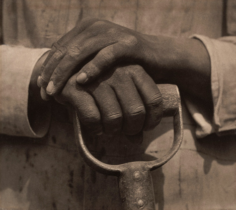 Tina Modotti. 'Worker's Hands' 1927