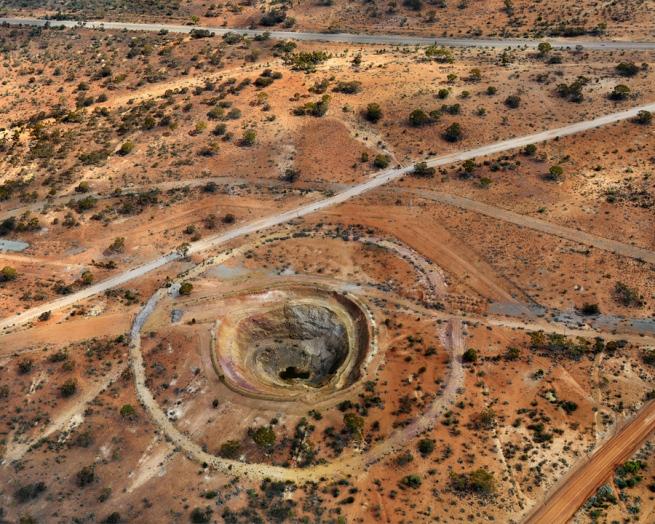 Edward Burtynsky. 'Otter Juan Coronet Mine #1 Kalgoorlie, Western Australia' 2007