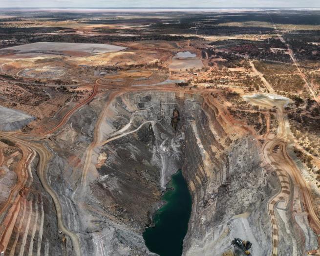 Edward Burtynsky. 'Jubilee Operations #1, Kalgoorlie, Western Australia' 2007