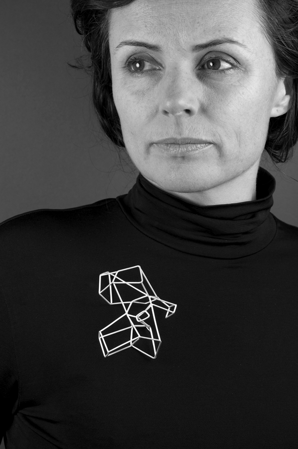 Carlier Makigawa. 'Brooch 1a' 2009