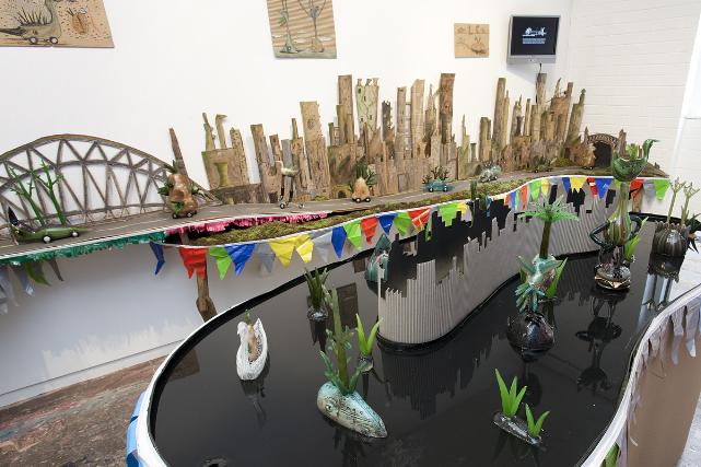 Tom Moore 'Pondlurking'installation photographs at Helen Gory Galerie, Prahran
