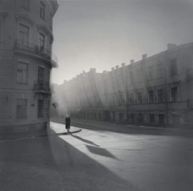 Alexey Titarenko. '#21 Untitled (Woman on the Corner)' 1995