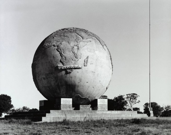 David Goldblatt. 'Monument to Karel Landman, Voortrekker Leader, De Kol, Eastern Cape' April 10, 1993