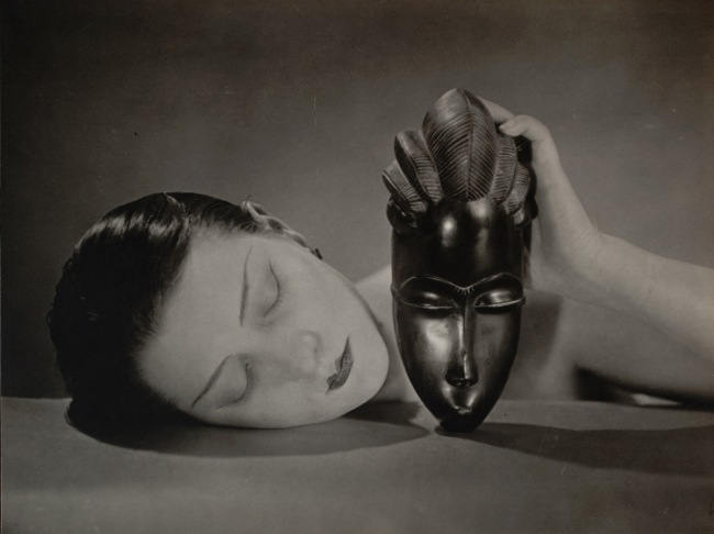 Man Ray (Emmanuel Radnitzky). 'Noire et blanche' (Black and white). 1926