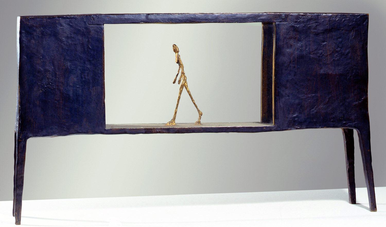 alberto giacometti figurine dans une bo te entre deux bo tes qui sont des maisons art blart. Black Bedroom Furniture Sets. Home Design Ideas
