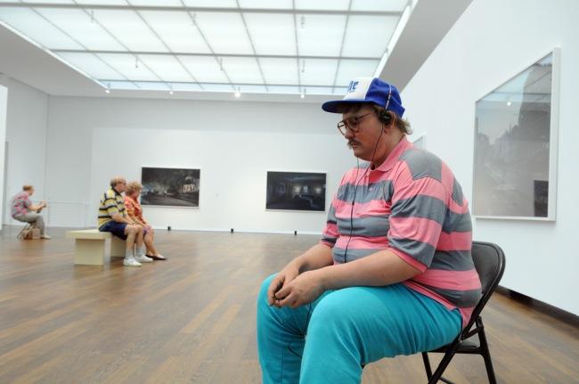 Installation photograph of the exhibition 'Duane Hanson/Gregory Crewdson: Uncanny realities' at Museum Frieder Burda