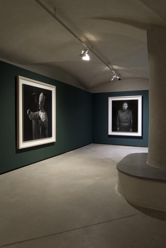 Installation view of the exhibition 'Portraits and Power: People, Politics and Structures' at Centro di Cultura Contemporanea Strozzina - Fondazione Palazzo Strozzi, Florence