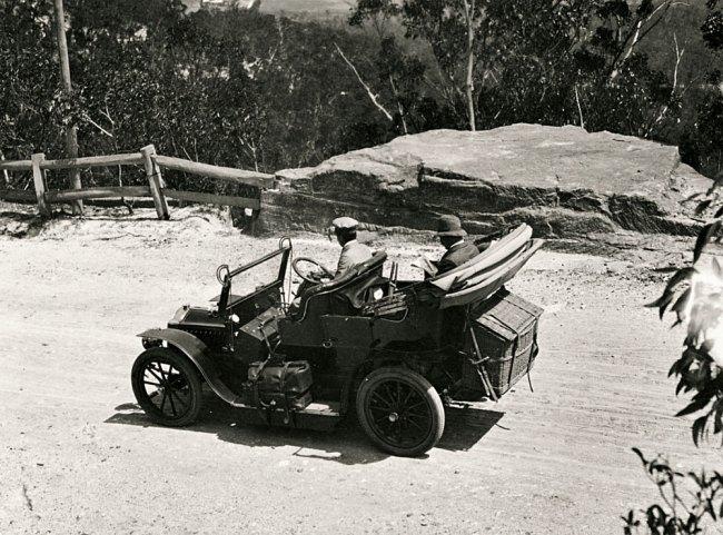 Arthur Wigram Allen. 'We left Medlow at 10.15 am & drove through Blackheath & Mt Victoria to Bathurst' Nd
