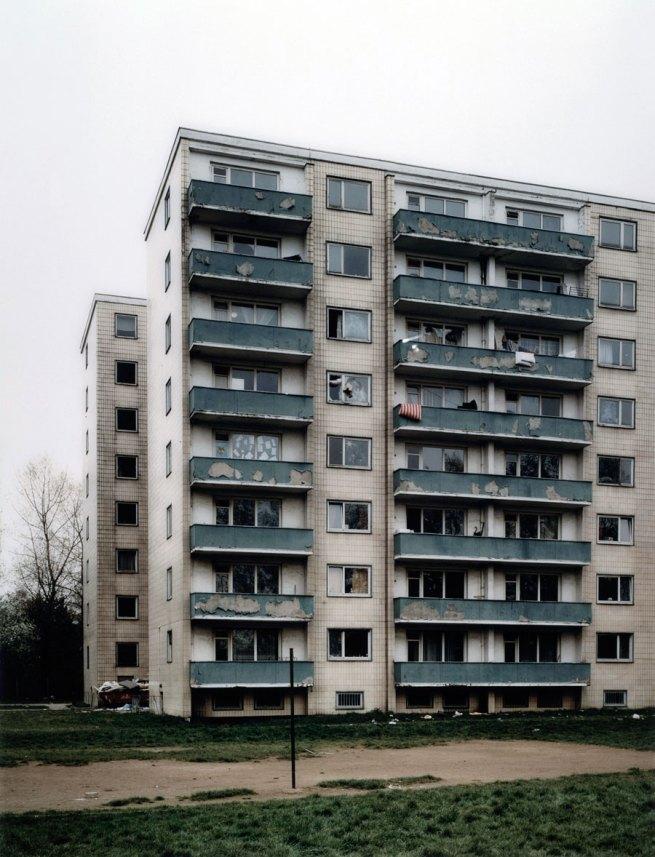 Thomas Ruff. 'Häuser Nummer 9' 1989