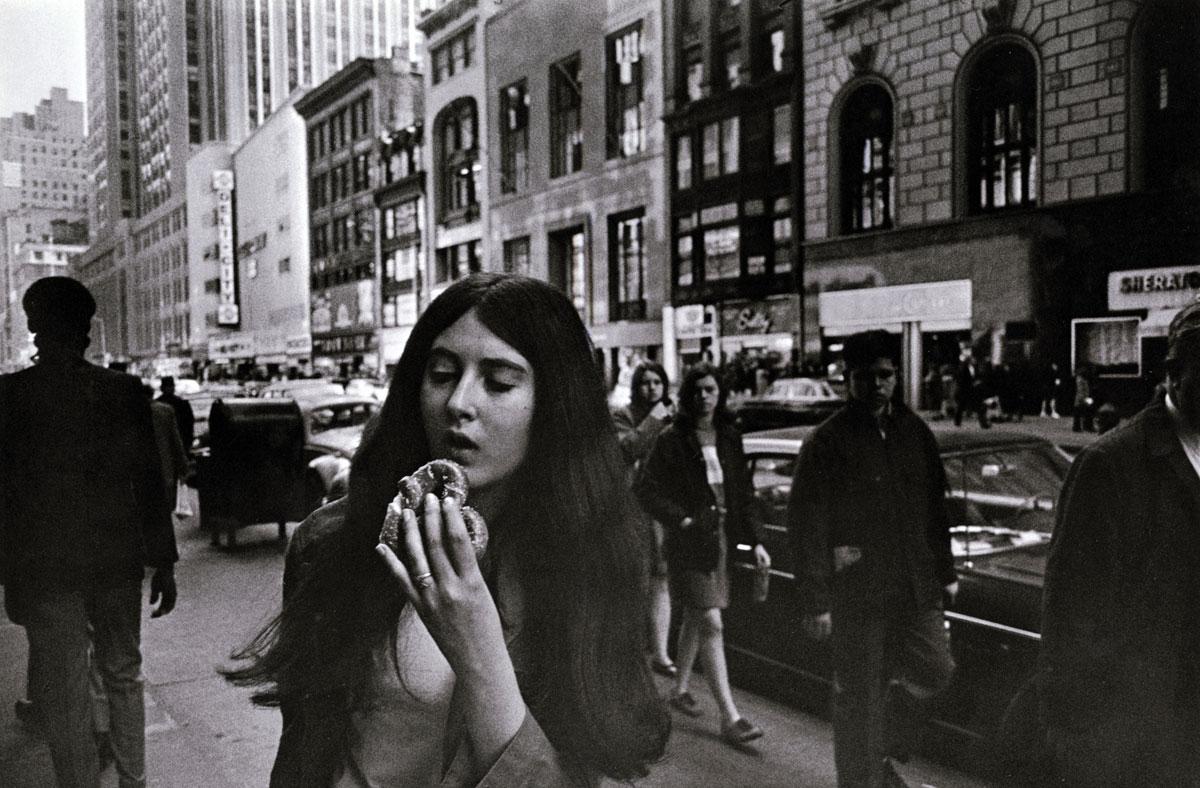 Garry Winogrand Women Are Beautiful  Art Blart-7818