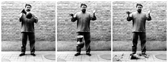 Ai Weiwei. 'Dropping a Han-Dynasty Urn' 1995