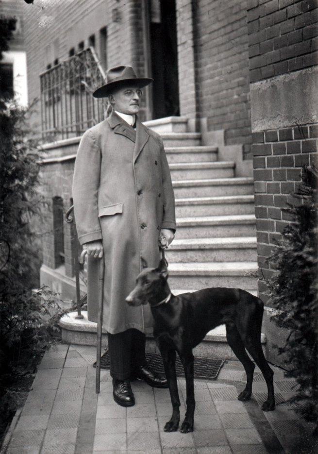August Sander. 'Notar, Köln, 1924' 1924