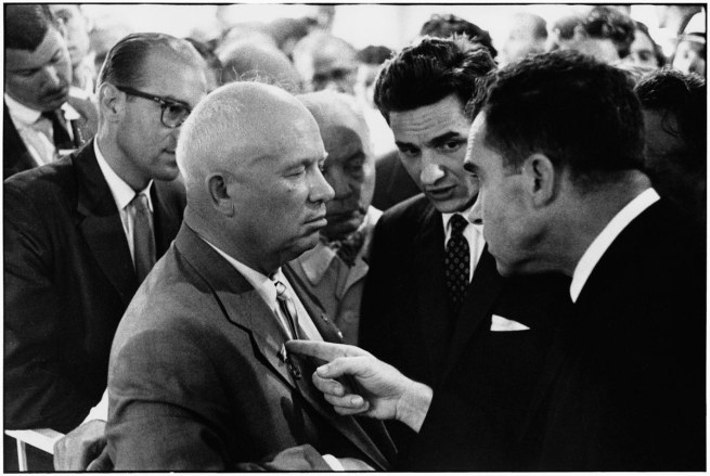 Elliott Erwitt. Nikita Khrushchev and Richard Nixon, Moscow, 1959.