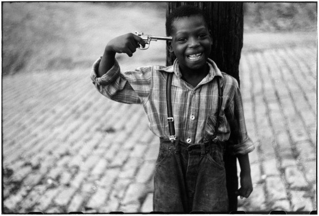 Elliott Erwitt. USA. Pittsburgh, Pennsylvania. 1950.
