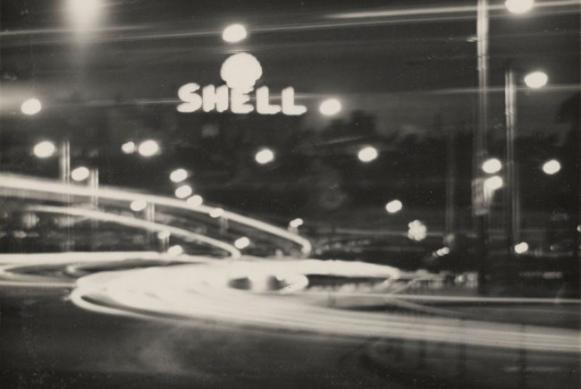 Andreas Feininger. 'Stockholm (Shell sign at night)' 1935