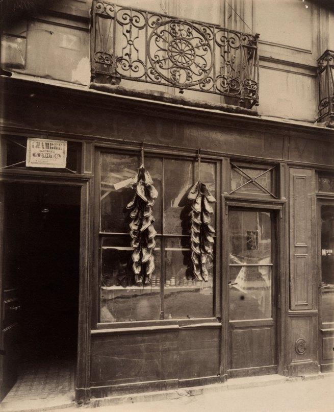Eugène Atget. 'Balcon, 17 rue du Petit-Pont' 1913