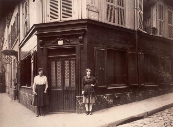 Eugène Atget. 'Coin, Boulevard de la Chapelle et rue Fleury 76,18e' June 1921