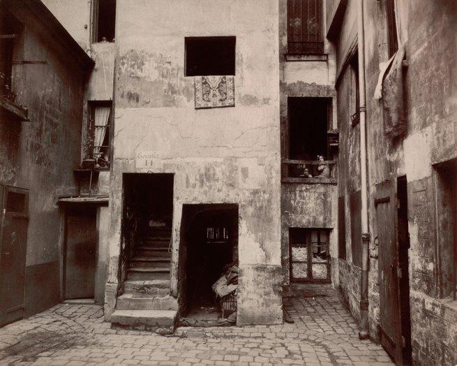 Eugène Atget. 'Cour, 41 rue Broca' 1912