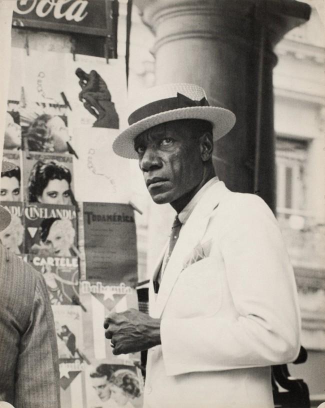 Walker Evans. 'Citizen in Downtown Havana' 1933