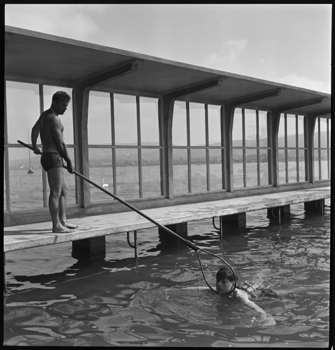 Anonymous photographer. 'Swimming lessons for schoolchildren at the Wollishofen lakeside swimming area, Zurich' 1943