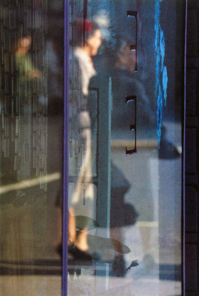 Saul Leiter. 'Walking' 1956