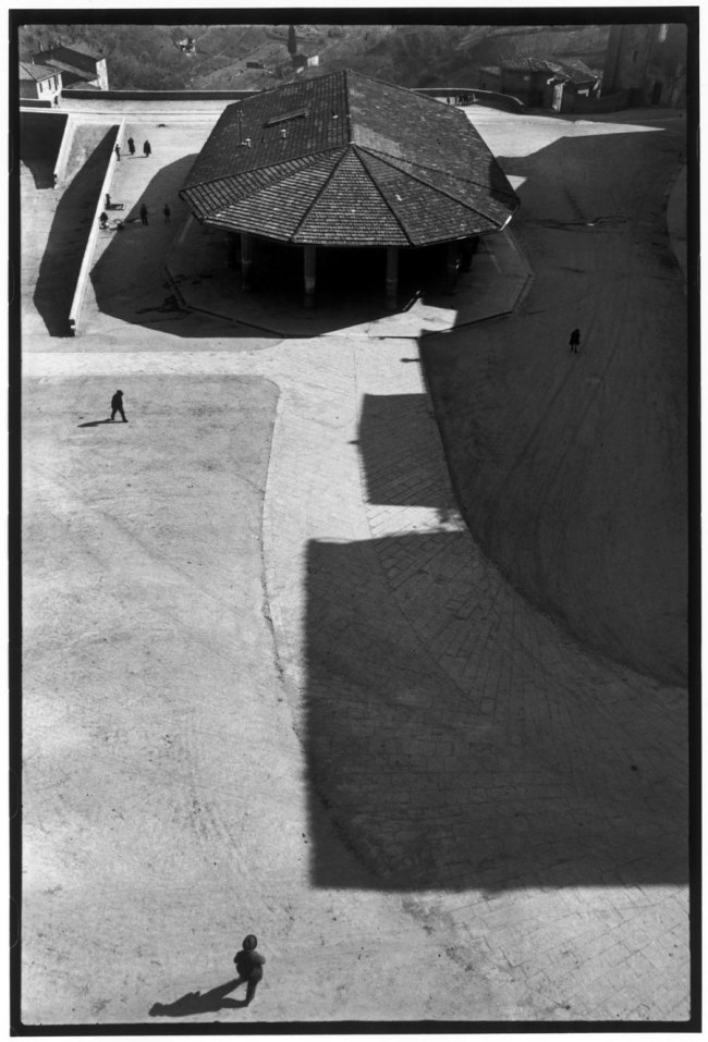 Henri Cartier-Bresson(French, 1908-2004) 'ITALY. Tuscany. Sienna. 1933'