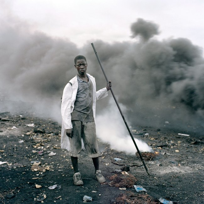 Pieter Hugo. 'Abdulai Yahaya, Agbogbloshie Market, Accra' 2009-2010 From the series 'Permanent Error'