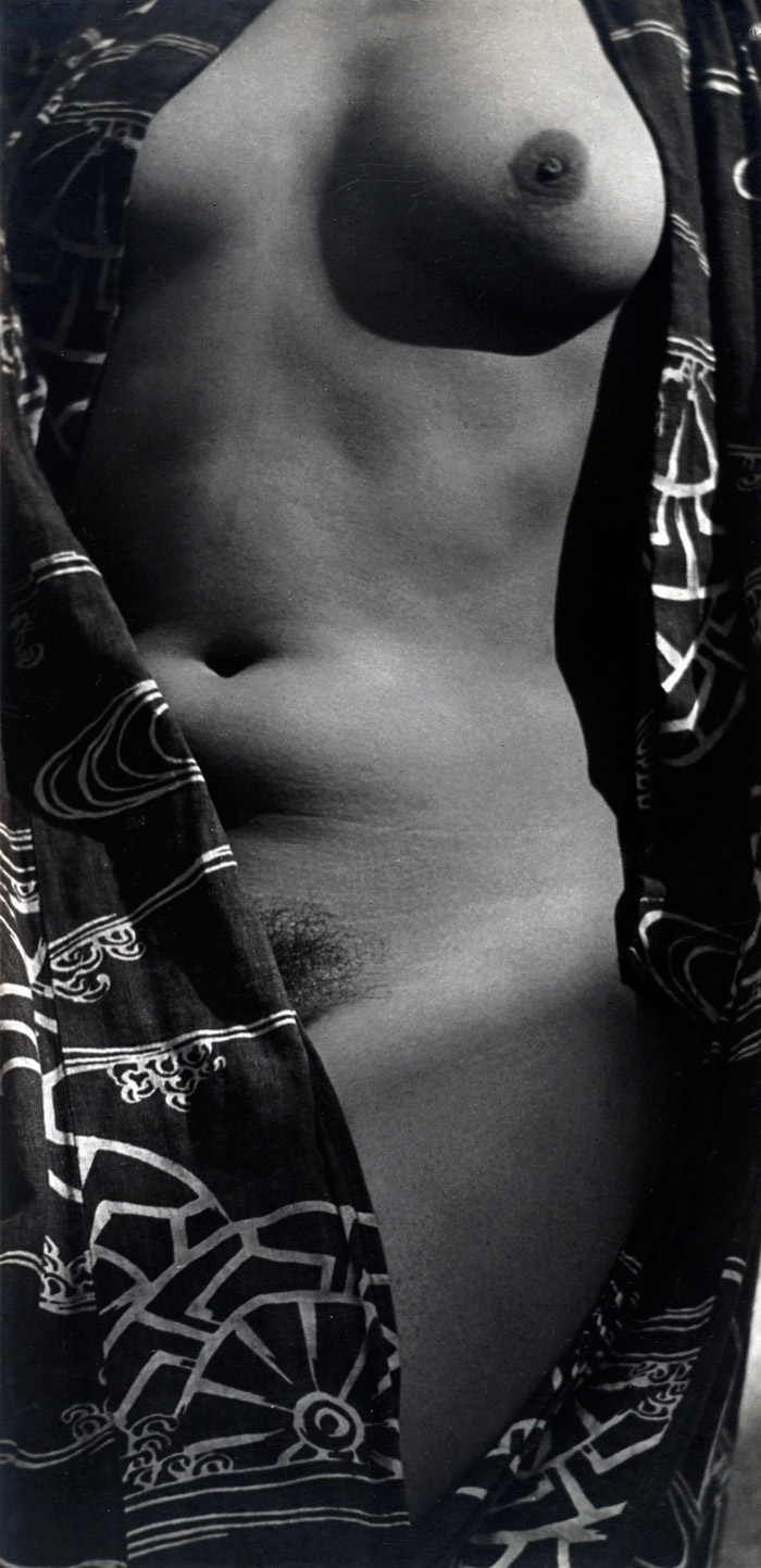 Edward Weston. 'Tina Modotti, Half-Nude in Kimono' 1924