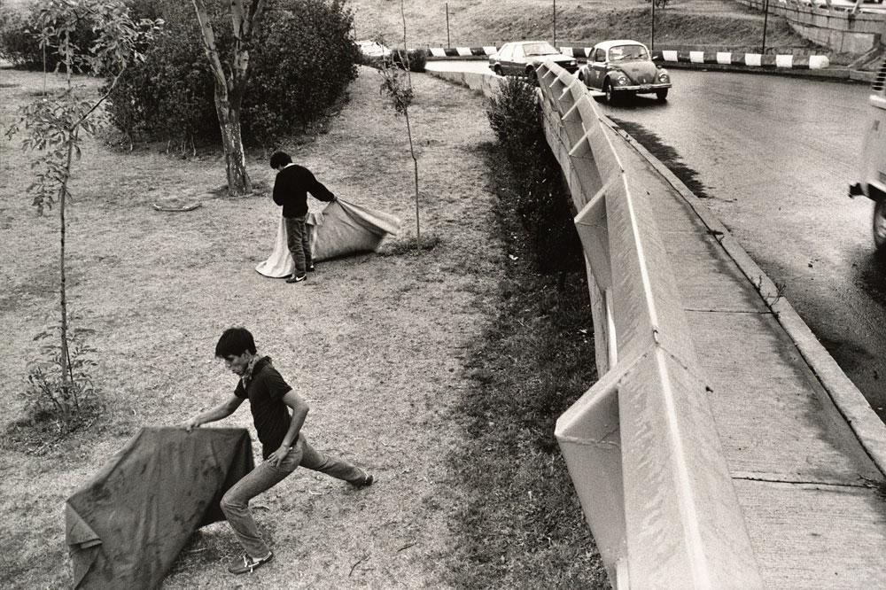 Pablo Ortiz Monasterio. 'Y es plata, cemento o brisa' ca.1985