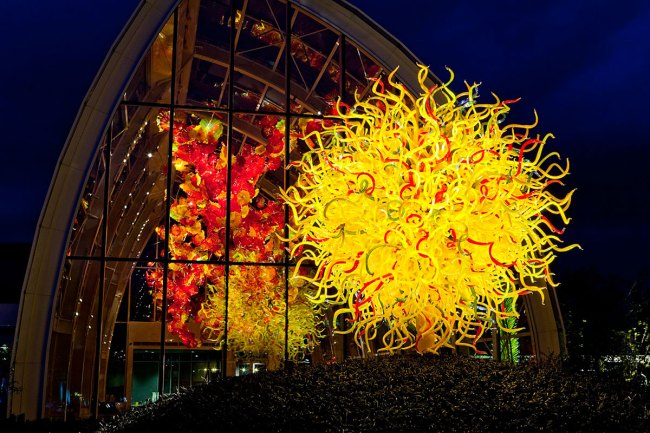 Chihuly Garden and Glass. 'Pacific Sun and Glasshouse (evening)' 2012