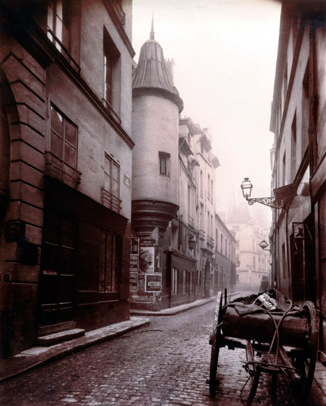 Eugène Atget. 'Rue Hautefeuille, 6e arrondissement' 1898