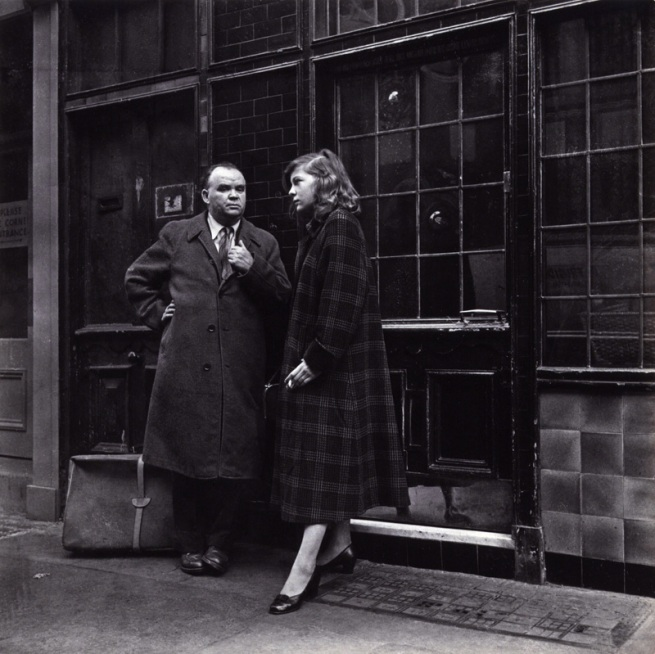 Daniel Farson. 'Cyril Connolly and Lady Caroline Blackwood' c. 1953