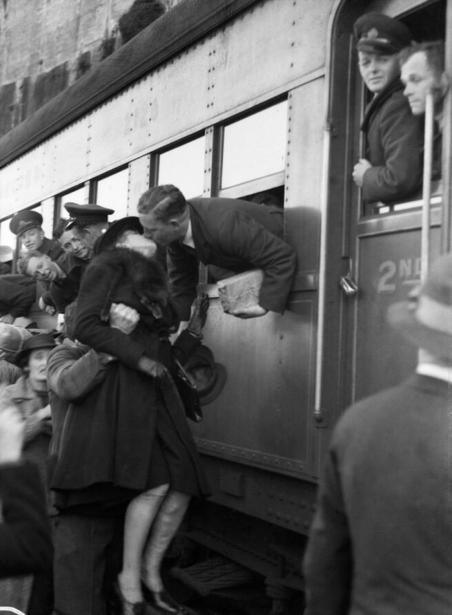 S Hood. 'Sydney embarkation, 13 September 1940' 1940