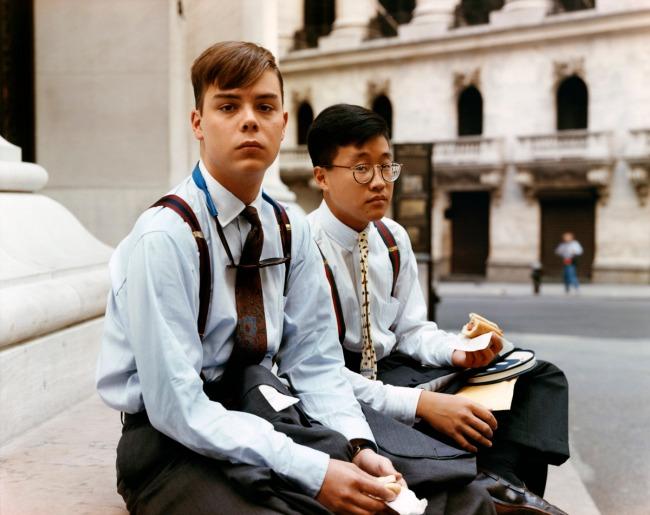 Joel Sternfeld. 'Summer Interns Having Lunch, Wall Street, New York, August 1987' 1987